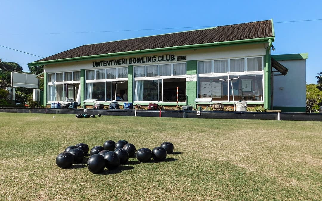 Umtentweni Bowling Club clubhouse as seen from the green
